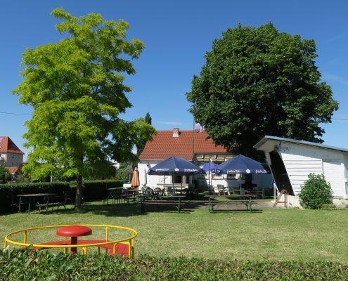 Kinderspielplatz mit Freisitz vor dem Vereinsheim der Kleingartenanlage Veilchen e.V in Erfurt